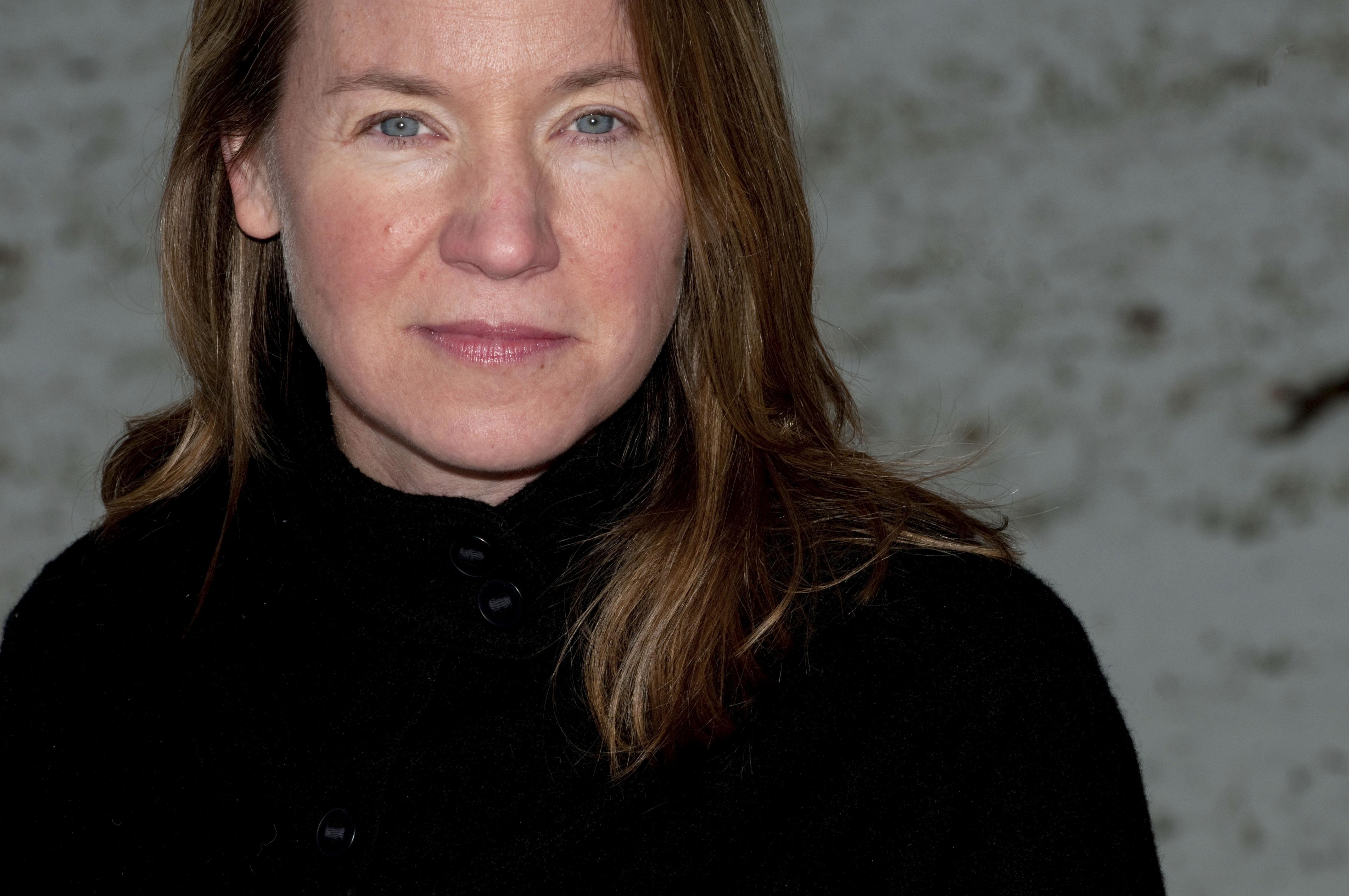 2012 author photograph of Sarah Stewart Taylor. (Photo by Jennifer Hauck)